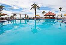 Holiday Inn Hotel Suites 521 South Gulfview Blvd Clearwater Beach Fl 33767 Phone Book On Line Reservations 888 455 6055